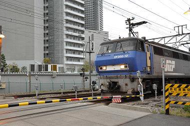 JR東高島駅の踏切